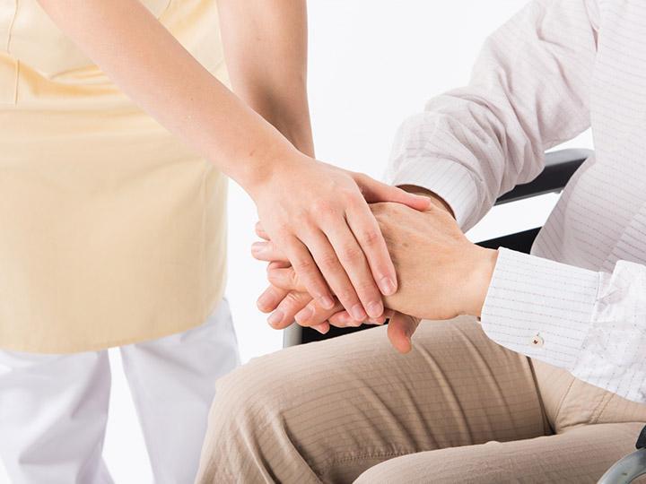 【介護スタッフ】思いやりを大切にする温かい職場です♪