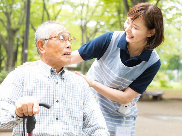 【デイサービス介護スタッフ】☆未経験スタッフも活躍中☆まごころと思いやりを大切にしています♪