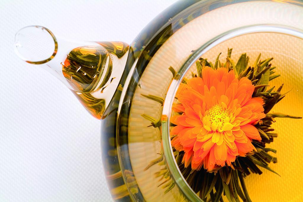 茶葉と花をあわせたお茶「工芸茶」に携わるお仕事